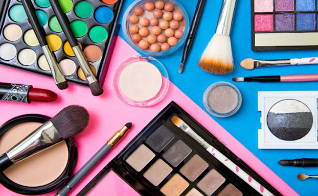 How To Choose Safe Cosmetics By Smart People